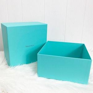 TIFFANY & CO. Decorative Keepsake Storage Gift Box